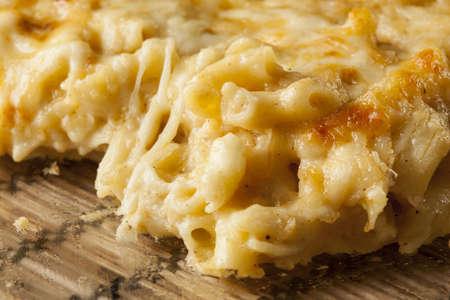 macarrones: Macarrones con queso casero y cena con fideos Foto de archivo