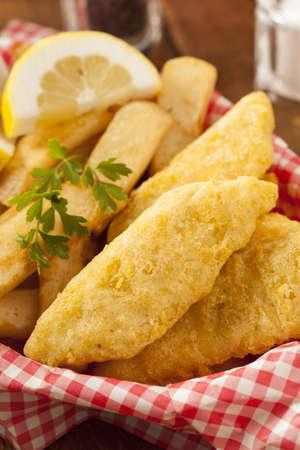 Traditionele Fish and Chips met Tartaarsaus