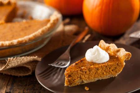 感謝祭のため作られた自家製のおいしいかぼちゃパイ 写真素材