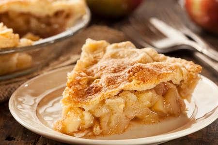 自家製の有機リンゴのパイ デザートを食べる準備ができて