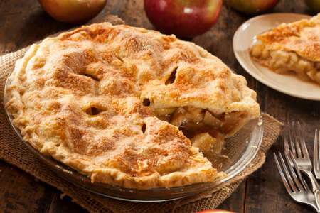 delicious: Homemade Organic Apple Pie Dessert Ready to Eat