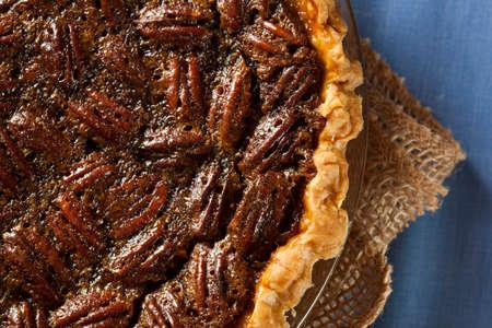pecan pie: Homemade Pecan Pie delicioso para las fiestas Foto de archivo