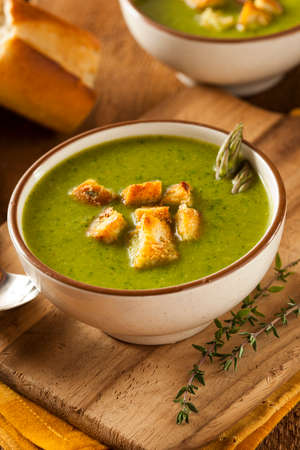 croutons: Homemade Green Asparagus Soup with Crunchy Croutons
