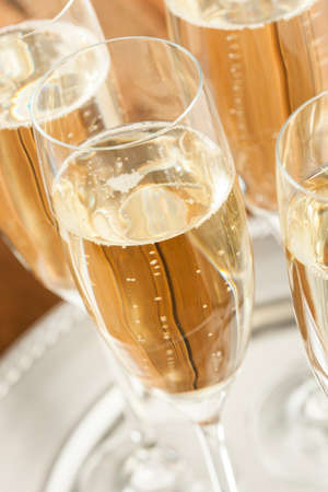 Bubbling Champagne in a Glass for a Celebration Standard-Bild