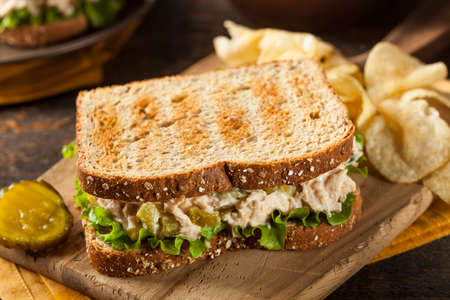 green wheat: Healthy Tuna Sandwich with Lettuce and a Side of Chips