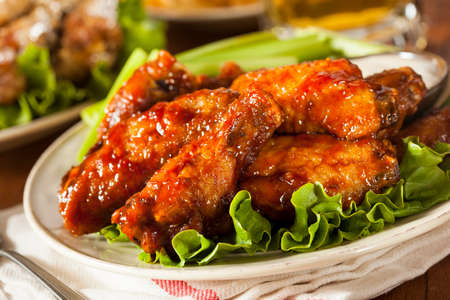 Barbecue Buffalo Chicken Wings als voorgerecht Stockfoto - 26214610