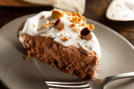 쿠키 크 럼블와 수 제 초콜릿 크림 파이