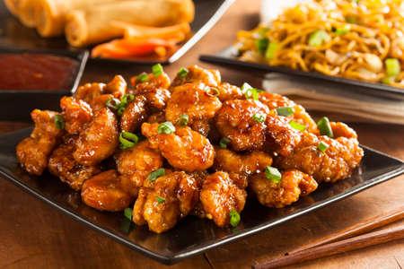 저녁 식사를위한 녹색 양파와 함께 아시아 Oranage 치킨