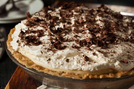 Zelfgemaakte Black Bottom Cream Pie met chocolade