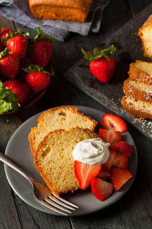 Homemade Pound Cake with Strawberries and Cream Stock fotó - 30004727