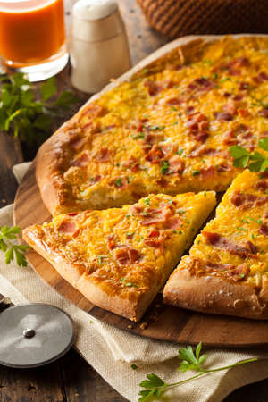 Homemade Breakfast Pizza with Bacon Eggs and Potatoes Imagens - 30353416