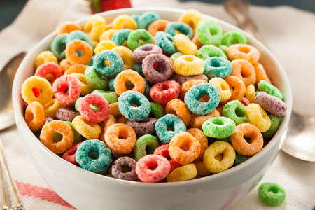 Coloful Fruit Cereal Loops in a Bowl Archivio Fotografico