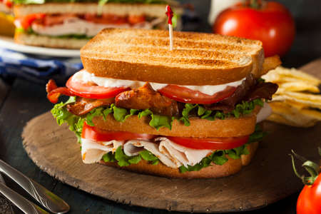 トルコ、レタスとトマト ベーコン クラブ サンドイッチ 写真素材