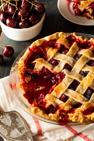 flaky: Delicious Homemade Cherry Pie with a Flaky Crust