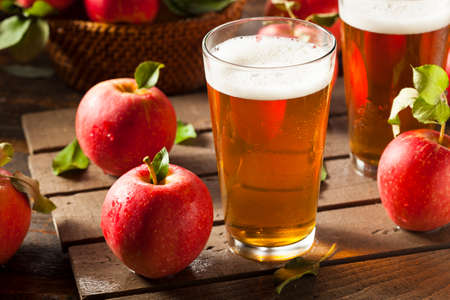 hard liquor: Hard Apple Cider Ale Ready to Drink