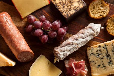 tabla de quesos: Fantas�a Carne y Tabla de quesos con fruta como aperitivo
