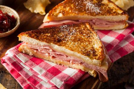 Zelfgemaakte Monte Cristo Sandwich Met Ham En Kaas Stockfoto