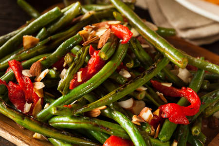 greenbeans: Healthy Sauteed Green Beans with Almonds and Peppers