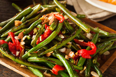 Healthy Sauteed Green Beans with Almonds and Peppers