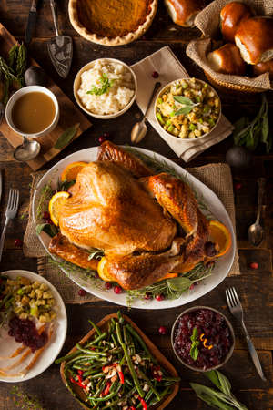 accion de gracias: Todo hecho en casa de Acción de Gracias Turquía con todos los lados Foto de archivo