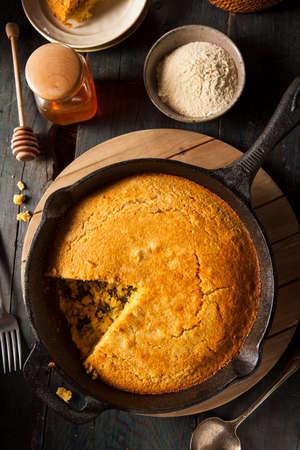 cornbread: Homemade Southern Style Cornbread in a Skillet