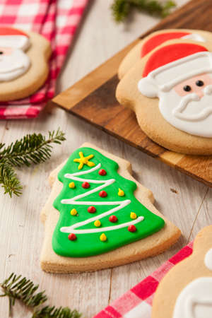 gingerbread cookies: Homemade Christmas Sugar Cookies Decorated with Frosting