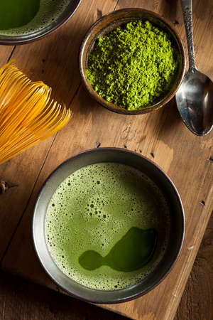 green powder: Organic Green Matcha Tea in a Bowl