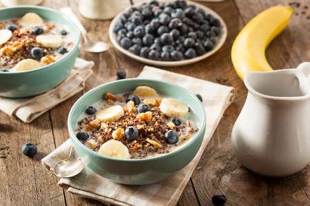 vida sana: Org�nica desayuno quinua con leche y nueces Bayas