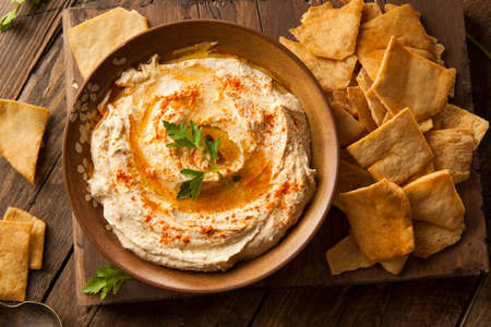 pita: Healthy Homemade Creamy Hummus with Olive Oil and Pita Chips