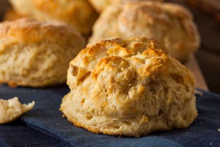 Zelfgemaakte Flakey Karnemelk Biscuits Ready to Eat