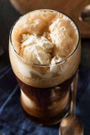 cerveza negra: Flotador Frozen Oscuro Stout cerveza con helado