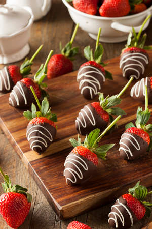 strawberry chocolate: Homemade Chocolate Dipped Strawberries Ready to Eat