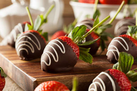 strawberry: Homemade Chocolate Dipped Strawberries Ready to Eat