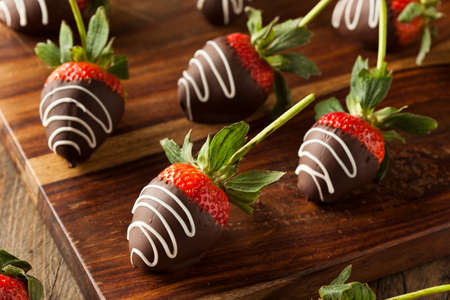 chocolate covered strawberries: Homemade Chocolate Dipped Strawberries Ready to Eat