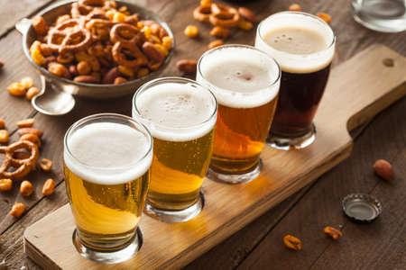 cerveza: Cervezas clasificadas en una Listo Vuelo de Cata