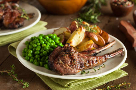 Organic Grilled Lamb Chops with Garlic and Lime Banco de Imagens - 37472214
