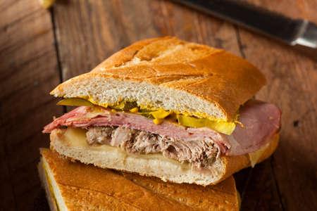 turquia: Homemade Sandwiches cubanos tradicionales con jam�n de cerdo y queso Foto de archivo
