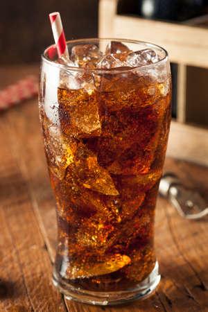 Verfrissende Bubbly Frisdrank met ijsblokjes