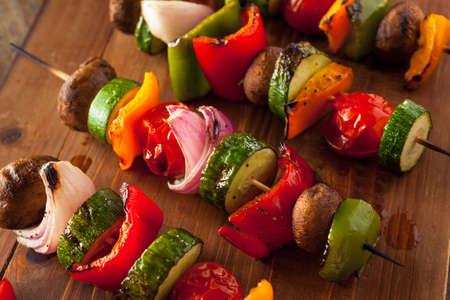 ピーマン、玉ねぎ、トマト有機自家製野菜串焼き Kababs 写真素材