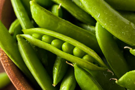 sweet sugar snap: Organic Green Sugar Snap Peas Ready to Eat
