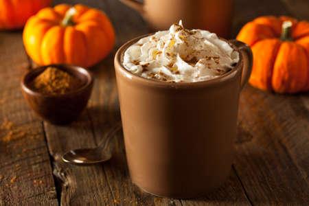 epices: Homemade Pumpkin Spice Latte à la crème et cannelle