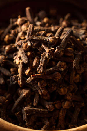 clove of clove: Raw Brown Organic Cloves Ready to Use