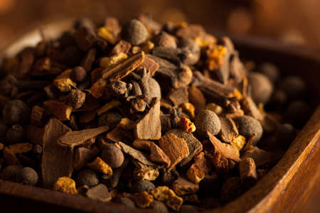 especias: Raw Organic Mulling Spices with Cinnamon Cloves and All Spice