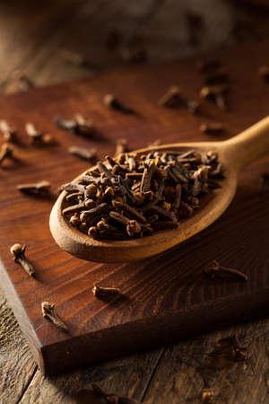 Raw Brown Organic Kruidnagel Ready to Use Stockfoto