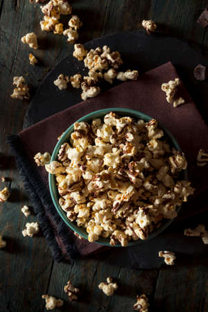 drizzle: Homemade Chocolate Drizzled Caramel Popcorn Ready to Eat