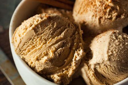 gelati: Homemade Pumpkin Pie Ice Cream with Cinnamon