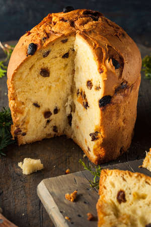 even: Homemade Christmas Even Panettone Bread with Fruit