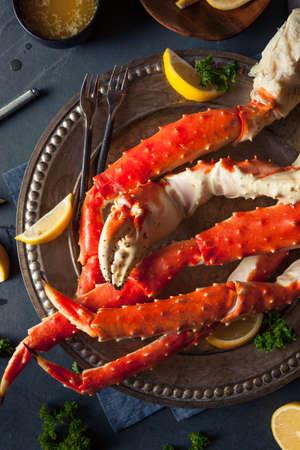 cangrejo: Cocinados cangrejo piernas Orgánica Alaskan King con mantequilla