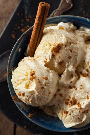 eggnog: Cold Homemade Eggnog Ice Cream with Cinnamon