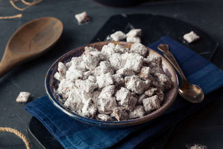 buddies: Homemade Powdered Sugar Puppy Chow Muddy Buddies to Eat